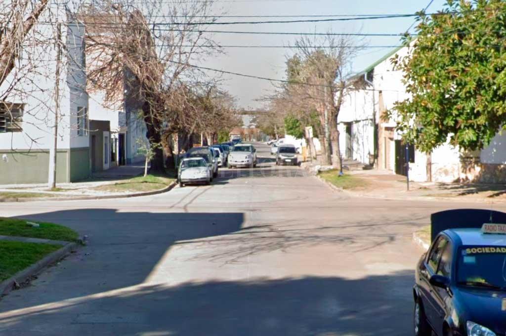 Agustín Delgado al 3900, una de las calles más golpeadas del barrio Scheneider.  Crédito: Captura de Pantalla - Google Street View