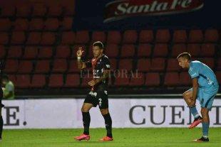 Colón contra un Arsenal, al que le sobran problemas y le falta gol