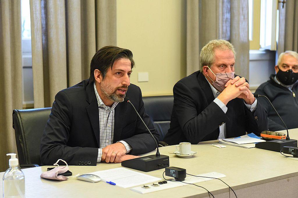 Tras las PASO. Trotta y Perczyk encabezaron una nueva ronda de revisión paritaria de manera virtual junto a los seis sindicatos que integran el Frente Gremial Universitario. Crédito: Gentileza