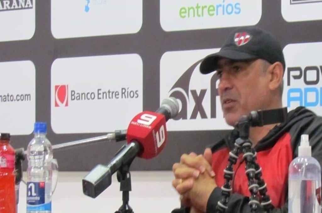 Iván Delfino en su primera Conferencia de Prensa presencial.  Foto:Gabriel Obelar