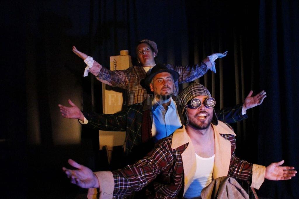 Actúan en la puesta Gabriela Bertazzo, Lucas Maggioni y Lucas Vidoletti. Crédito: Gentileza producción