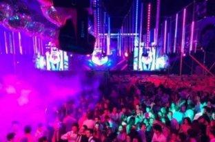 Corrientes: según el gobierno, se podrían habilitar fiestas de egresados y otras actividades masivas -  -