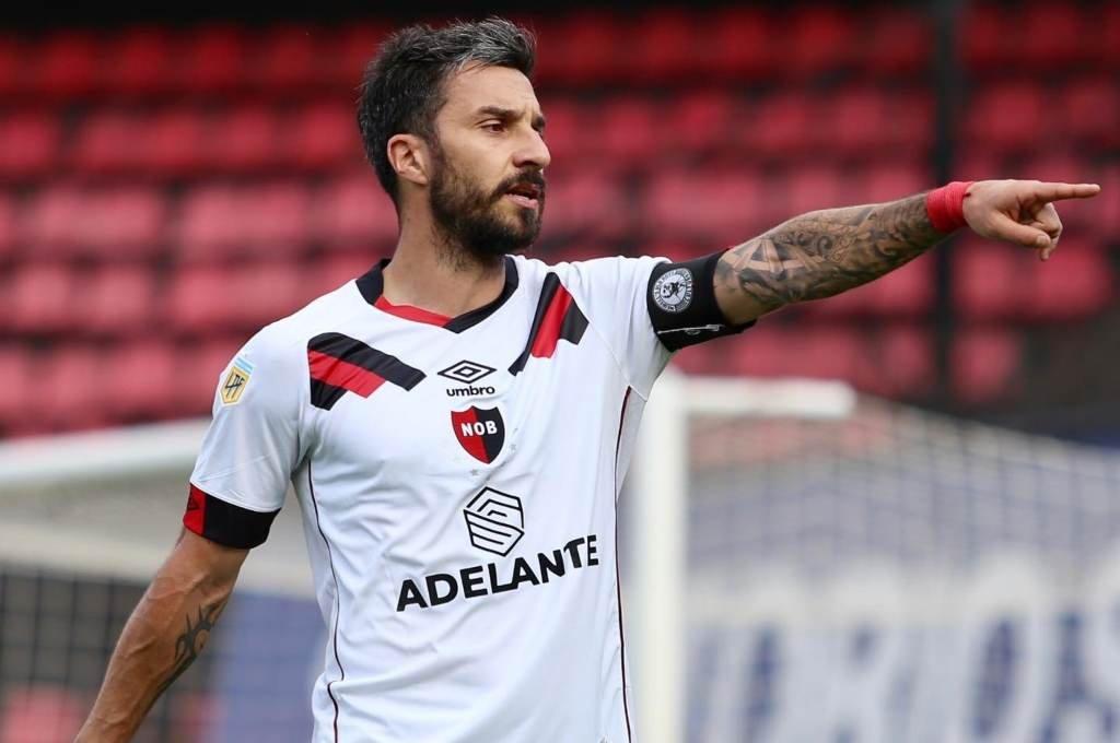 Nacho Scocco, ex futbolista de River, ahora intentará golpearlo con la camiseta de Newell's. Foto:Archivo.