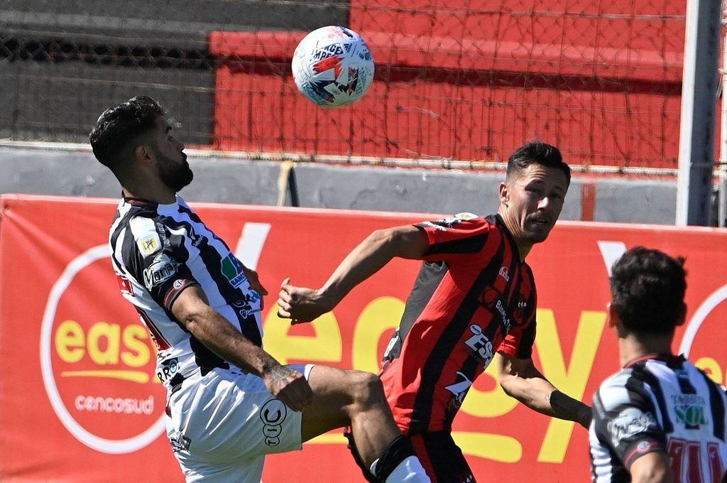 Rolando García Guerreño volverá al once inicial, siendo la única variante hasta el momento. Foto:Jano Colcerniani