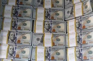 """Dólar hoy: el oficial abrió estable y el """"blue"""" se vende a $ 182,50"""