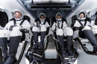 Parte el primer vuelo de turistas espaciales sin astronautas profesionales