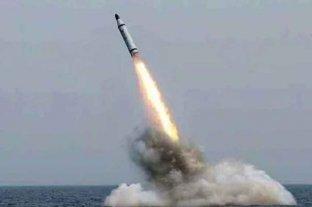"""Corea del Sur lanzó su primer misil desde un submarino, en respuesta a los repetidos """"ensayos"""" del régimen norcoreano"""