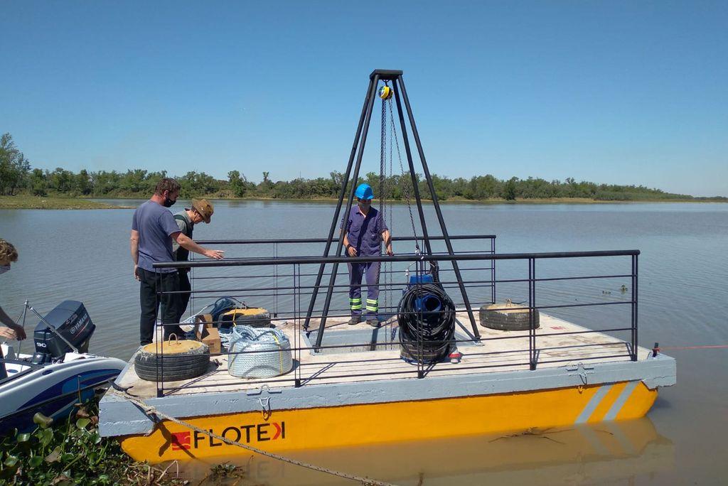 El pontón tiene una dimensión de 3 metros de ancho por 5 mts de largo, y puede cargar hasta 6.000 kilos. Crédito: Gentileza ASSA