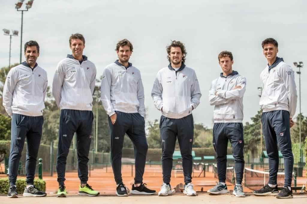 El equipo argentino de Copa Davis con el capitán, Gastón Gaudio. Crédito: Gentileza