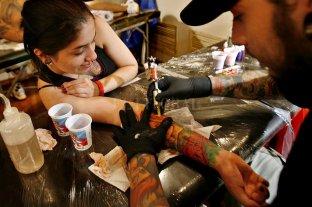 Los menores no podrán tatuarse sin permiso -  -