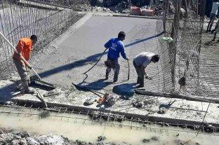 """Construyen un nuevo puente sobre la laguna """"La Verdecita"""""""