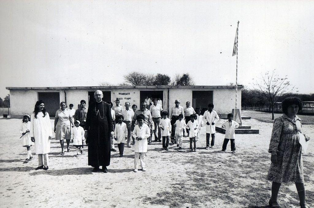 Monseñor Jorge Gottau, primer Obispo de la Diócesis de Añatuya, fue quien propuso a los Obispos argentinos realizar la Colecta Nacional Más por Menos para ayudar a los más necesitados. Crédito: Archivo