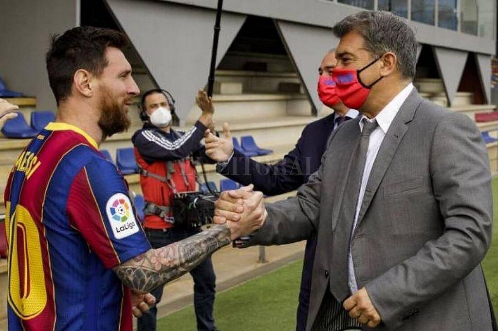 Messi y Laporta. Crédito: Archivo El Litoral