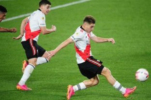 River venció a Arsenal por la mínima y se mantiene a dos puntos del líder