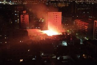 Video: incendio en pleno centro de la Ciudad de Mendoza
