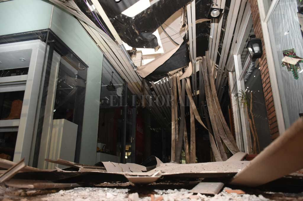 El municipio quiere conocer el estado del edificio de la Galería Garay tras el derrumbe -  -
