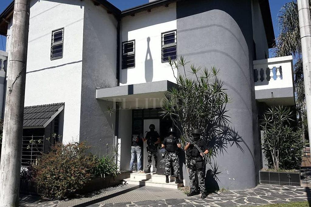La banda operaba en una mansión de barrio Guadalupe, por la cual una policía había pagado un año de alquiler de contado. Crédito: Archivo El Litoral