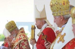 Un arzobispo que compartió una misa con el Papa Francisco tiene coronavirus