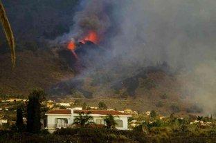 El volcán Cumbre Vieja en Islas Canarias sigue expulsando lava y cenizas