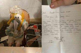 Se mudó a su nueva casa y halló una muñeca junto a una siniestra carta escondida entre las paredes - Según la carta, la muñeca habría pertenecido a sus antiguos dueños en 1961. -