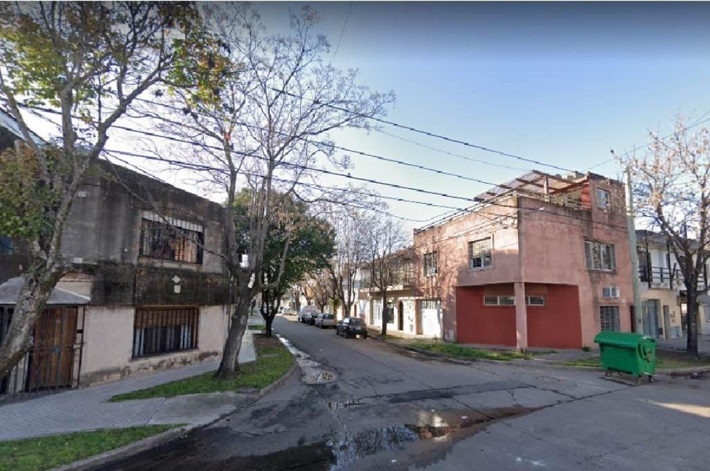 La víctima había sido herida en una vivienda ubicada en calle Pedro Lino Funes al 1.200. Foto:Google Street View.