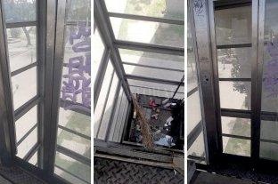 Un ascensor sucio, abandonado y peligroso -