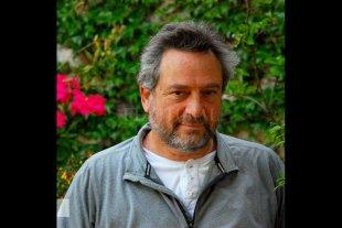 Escribir para ganarle la pulseada al tiempo - Daniel Guebel, nacido en 1956 en Buenos Aires, es autor de varias novelas y libros de cuentos.