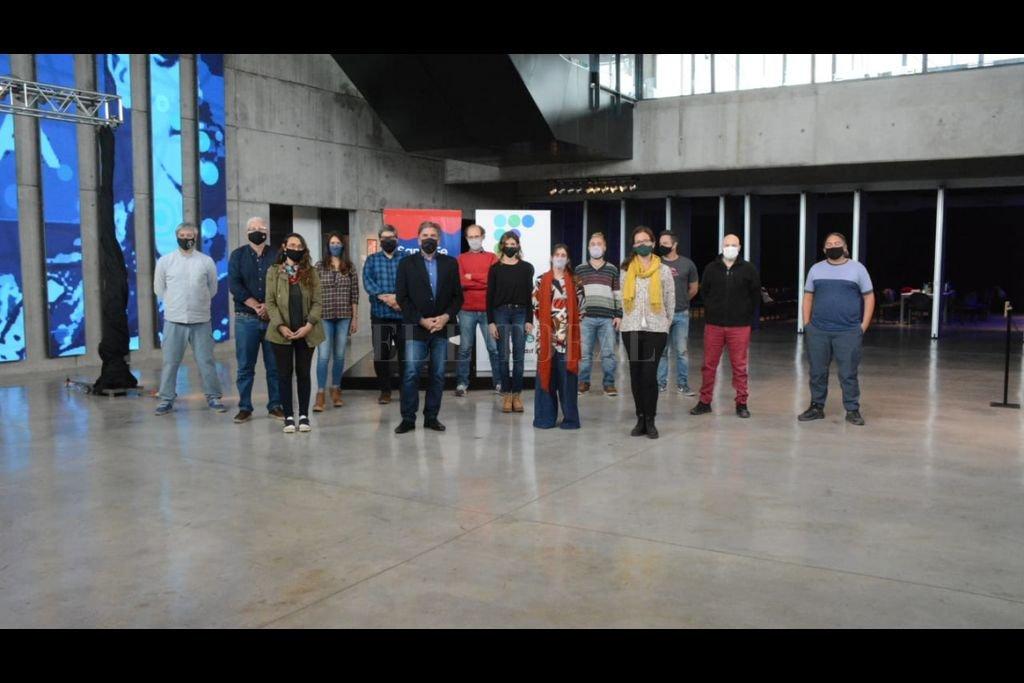 Durante el encuentro, que se desarrolló en el Museo del Deporte Santafesino, en Rosario, se delinearon y consensuaron diversos temas vinculados a agendas específicas. Crédito: Gobierno de Santa Fe