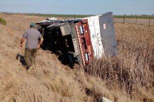 Golpes de puño y tiros en la disputa por la carga de un camión volcado