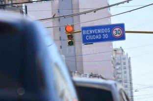 """Con el tránsito colapsado en el microcentro  se """"celebra"""" el Día Mundial sin Automóviles"""