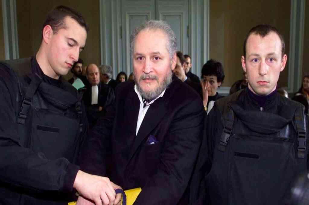 """""""El Chacal"""" compareció su tercer juicio por el atentado en París. Crédito: Agencias"""
