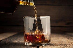La detienen acusada de haber gastado casi $ 300.000 en whisky con una tarjeta robada