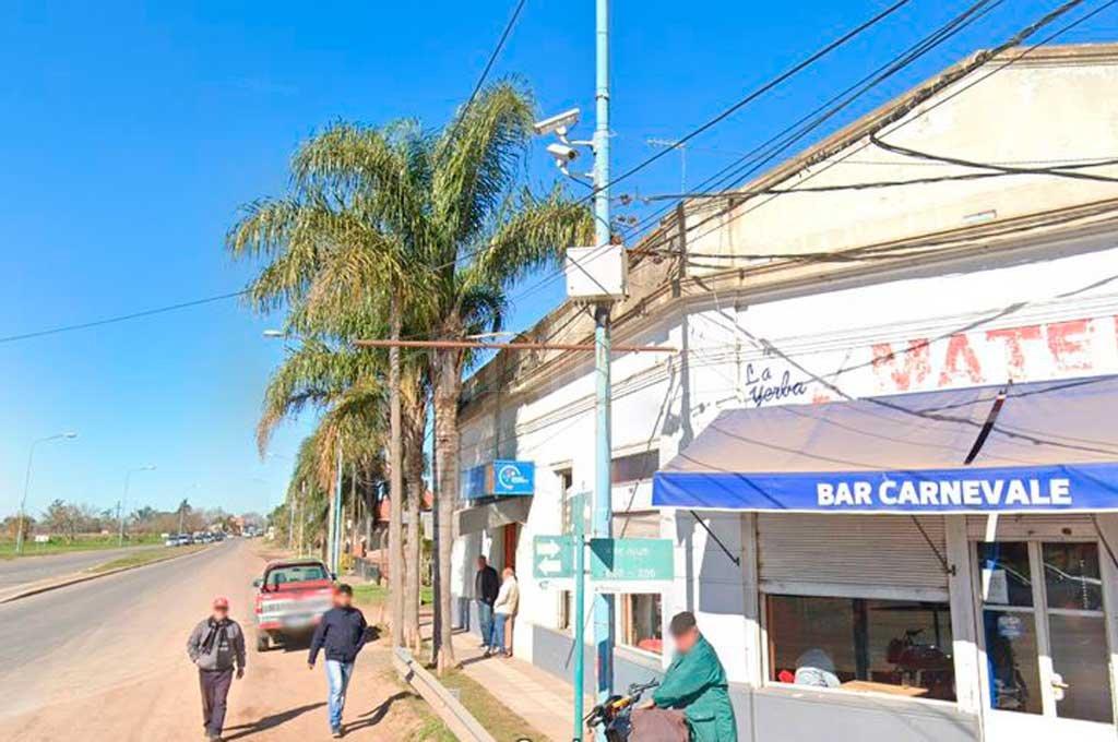 Habían salido del bar Carnevale, ubicado en el cruce de las rutas 11 y 5, cuando el hombre volvió a amenazarla. Crédito: Captura de Pantalla - Google Street View