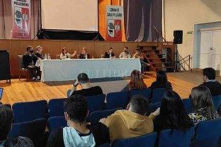 Rumbo a ser ciudad: Carlos Pellegrini dio el primer paso con una mesa de debate