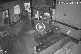 Video: Una heladería y una chopería blanco de robo y daños  -