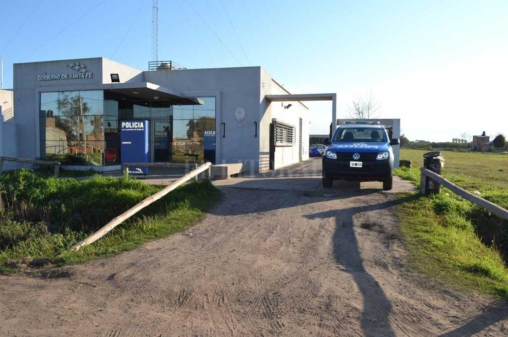Un familiar de la víctima acudió a la Subcomisaría 16 para alertar a la policía Crédito: Archivo El Litoral