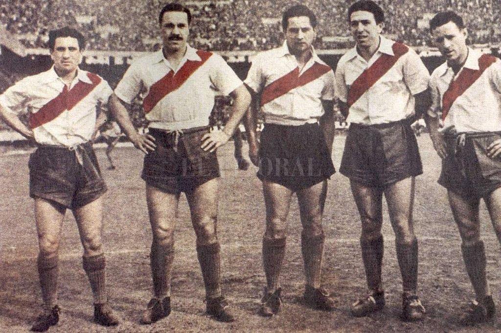 Muñoz, Moreno, Pedernera, Labruna y Loustau. Con Deambrosi en lugar de éste último, se formó aquélla famosa delantera. No jugaron tantos partidos, los suficientes para que se conviertan en inolvidables. Crédito: Gentileza El Gráfico