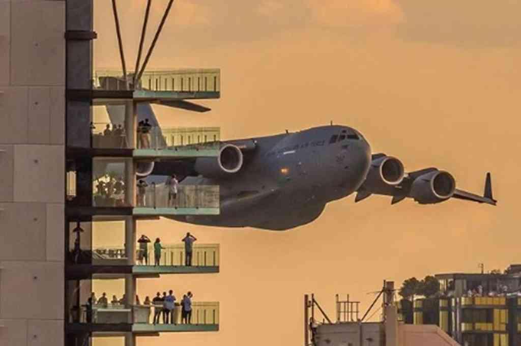 Los habitantes de la ciudad australiana de Brisbane se quedaron atónitas al ver a un enorme avión militar volando sobre un río y entre rascacielos. Crédito: Imagen ilustrativa