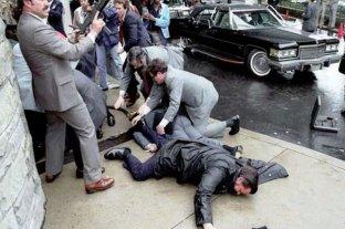 "Liberarán al hombre que le disparó a Ronald Reagan para ""impresionar"" a Jodie Foster"