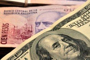 """Sube el dólar """"blue"""" y alcanza un nuevo máximo en el año"""