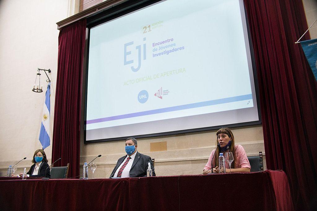 """""""Debemos trabajar por una ciencia más innovadora y colaborativa"""", pidió a los jóvenes el rector Enrique Mammarella en la apertura del EJI 2021.  Crédito: Gentileza"""