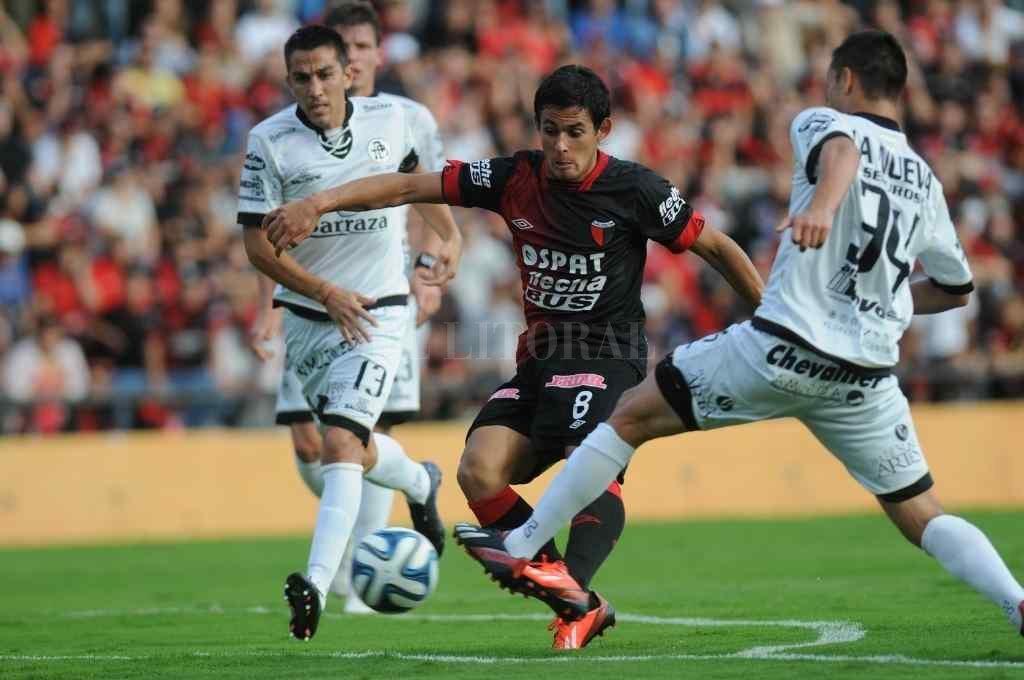 Marcelo Meli cuando jugaba para Colón, en 2014 Crédito: Luis Cetraro