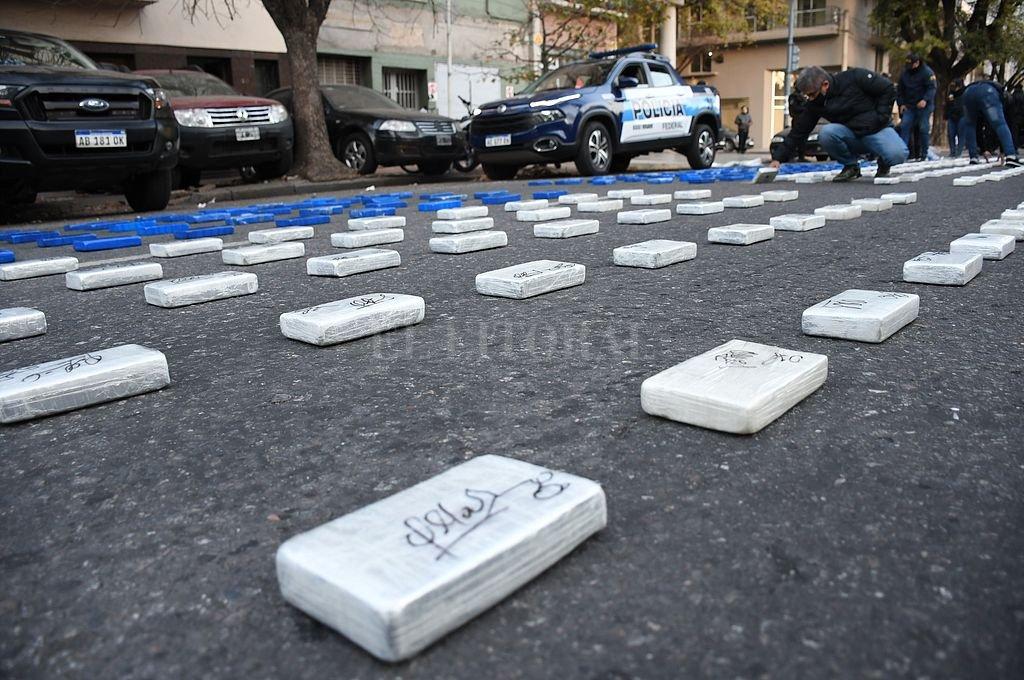 El 18 de junio pasado Gendarmería y Policía Federal realizaron once allanamientos, en uno de los cuales incautaron una camioneta repleta de cocaína. Crédito: Archivo El Litoral / Marcelo Manera