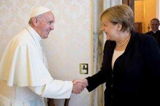 El papa Francisco recibió a Angela Merkel en el Vaticano