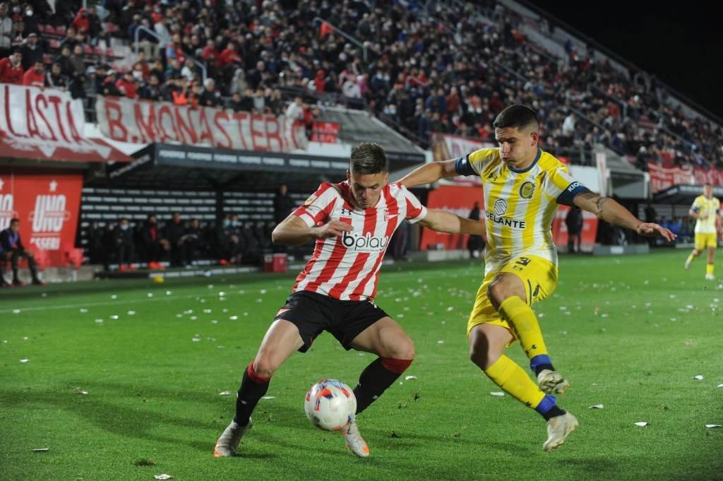Injusto. Central hizo todo lo que debía y podía para traerse tres puntos vitales desde La Plata. Pero, agónicamente, le sacaron dos… Foto:Télam.