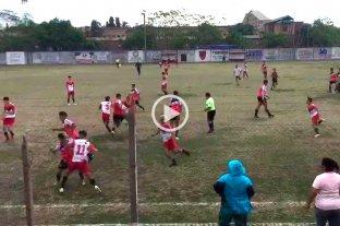 Video: piñas y disturbios en un partido de inferiores de la Liga Santafesina de fútbol