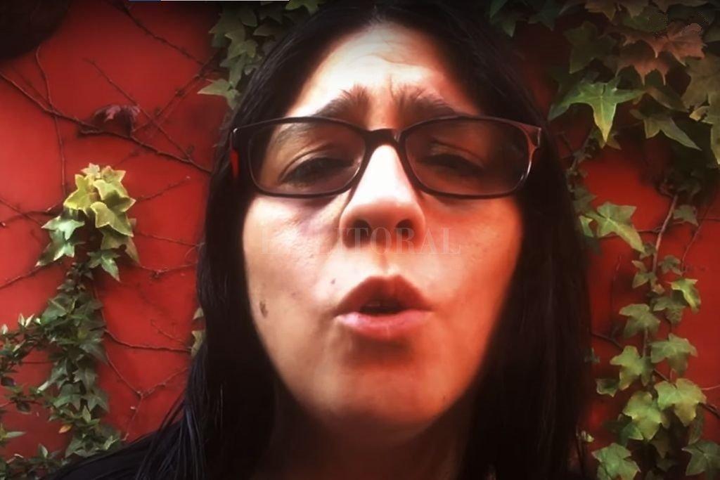 Araceli Matus, nieta de Mercedes Sosa, es una de las voces de la canción. Crédito: Gentileza RTA