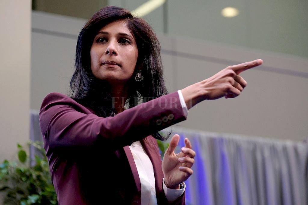 Gita Gopinath, del FMI, fue la encargada de realziar las estimaciones. Crédito: Reuters