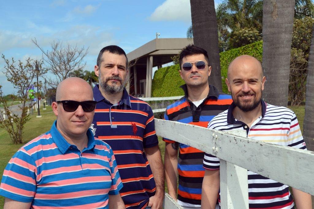 Obvio es una banda de la ciudad de Santa Fe, que nació en 2016 de la inquietud de sus integrantes de cultivar la canción pop. Crédito: Gentileza producción