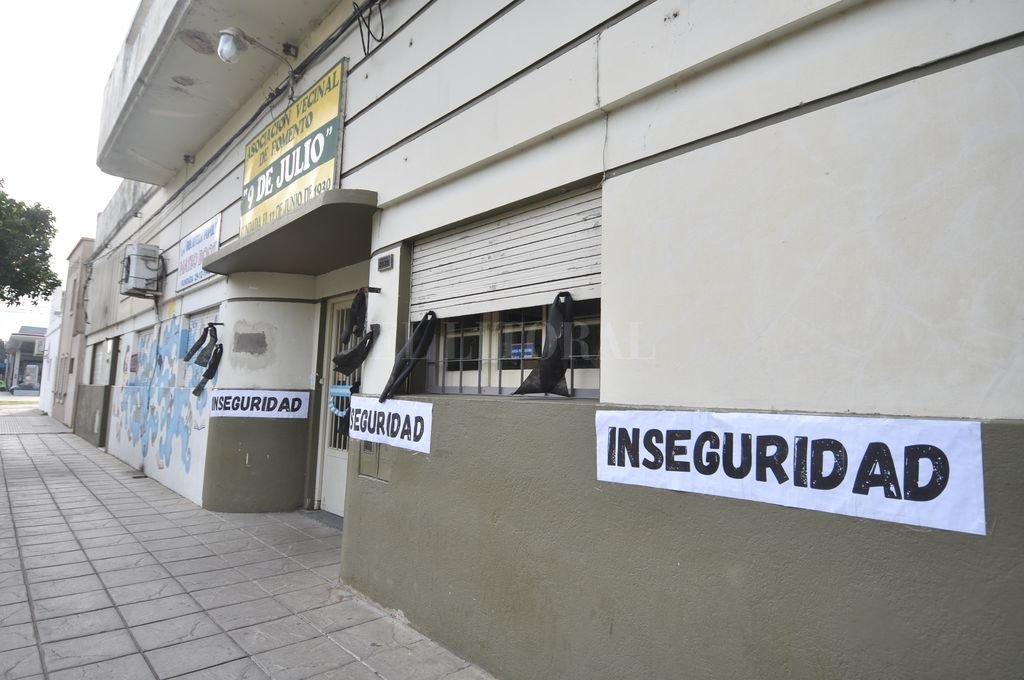 Inseguridad en Fomento 9 de Julio. El reflejo de lo que ocurre en muchos barrios de la capital santafesina. Crédito: Manuel Fabatía